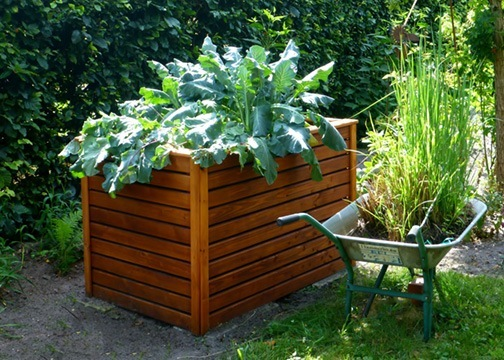 Building Your Own Organic Soil for Raised Bed Gardens